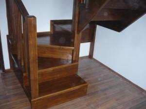 scari interioare din lemn masiv cu contratrepte_1